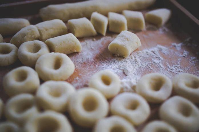 Przepis na kluski śląskie - jak zrobić pyszne kluski śląskie?